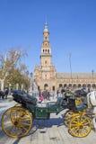 Συρμένη άλογο μεταφορά Plaza de Espana στη Σεβίλη Στοκ Εικόνες