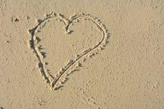 συρμένη παραλία άμμος καρδ& Στοκ Εικόνα