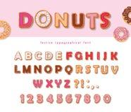 Συρμένη χέρι διακοσμητική πηγή Donuts Γλυκοί επιστολές και αριθμοί κινούμενων σχεδίων Χαριτωμένο σχέδιο για τα κορίτσια γλυκό συμ Στοκ Φωτογραφίες