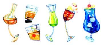 Συρμένη χέρι εκφραστική απεικόνιση Watercolor με τα ποτήρια των διαφορετικών ποτών οινοπνεύματος Στοκ Εικόνες