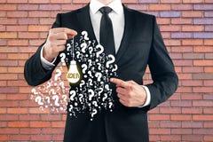 Συρμένος εκμετάλλευση λαμπτήρας επιχειρηματιών Στοκ εικόνες με δικαίωμα ελεύθερης χρήσης