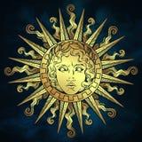 Συρμένος χέρι παλαιός ήλιος ύφους με το πρόσωπο του ελληνικού και ρωμαϊκού Θεού απόλλωνας πέρα από το υπόβαθρο μπλε ουρανού Δερμα απεικόνιση αποθεμάτων