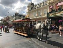 Συρμένο άλογο καροτσάκι στον κόσμο της Disney Στοκ Εικόνες