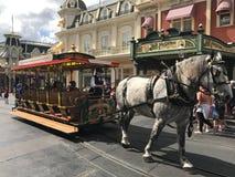 Συρμένο άλογο καροτσάκι στον κόσμο της Disney Στοκ εικόνα με δικαίωμα ελεύθερης χρήσης