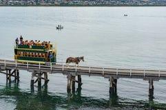 Συρμένο άλογο τραμ στον τρόπο στο νησί γρανίτη Στοκ εικόνες με δικαίωμα ελεύθερης χρήσης