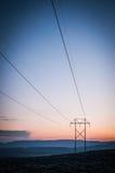 συρμένο απομονωμένο χέρι λευκό ισχύος γραμμών Στοκ Εικόνες