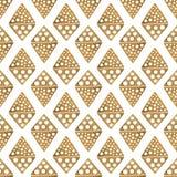 Συρμένο χέρι εθνικό σχέδιο Χρυσό άσπρο άνευ ραφής υπόβαθρο Αφηρημένη φυλετική των Αζτέκων απεικόνιση πυραμίδων ρόμβων Στοκ Εικόνες