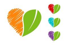 Συρμένο χέρι ζωηρόχρωμο έμβλημα Eco καρδιών που τίθεται με την πράσινη οργανική άδεια απεικόνιση αποθεμάτων