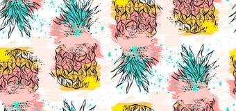 Συρμένο χέρι διανυσματικό αφηρημένο τροπικό άνευ ραφής σχέδιο με τον ανανά στα χρώματα κρητιδογραφιών και τις ελεύθερες συστάσεις Στοκ φωτογραφία με δικαίωμα ελεύθερης χρήσης