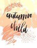 Συρμένο χέρι διανυσματικό κατασκευασμένο πρότυπο καρτών στα πορτοκαλιά χρώματα με τη φάση παιδιών φθινοπώρου Στοκ Φωτογραφία