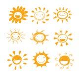 Συρμένο χέρι χαριτωμένο διάνυσμα ποικιλομορφίας χαμόγελου ήλιων για διακοσμημένος ή ελεύθερη απεικόνιση δικαιώματος