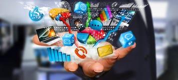 Συσκευές και διαγράμματα τεχνολογίας εκμετάλλευσης επιχειρηματιών στο χέρι του Στοκ Εικόνες