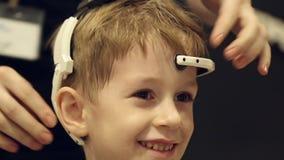 Συσκευή για να ελέγξει τις σκέψεις φιλμ μικρού μήκους