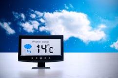 Συσκευή καιρικών σταθμών με τις καιρικές συνθήκες στοκ φωτογραφίες με δικαίωμα ελεύθερης χρήσης