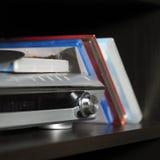Συσκευή τηλεόρασης και φορέας DVD Στοκ φωτογραφίες με δικαίωμα ελεύθερης χρήσης