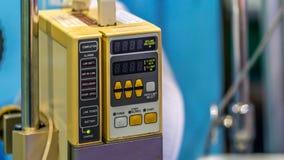 Συσκευή χρέωσης έκτακτης ανάγκης πρώτων βοηθειών νοσοκομείων στοκ εικόνα με δικαίωμα ελεύθερης χρήσης