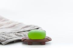Συσκευασία SPA συμπεριλαμβανομένου Aloe Βέρα Soap και της πετσέτας Στοκ Εικόνες