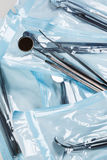 Συσκευασίες με τα εργαλεία dentals στοκ φωτογραφίες με δικαίωμα ελεύθερης χρήσης