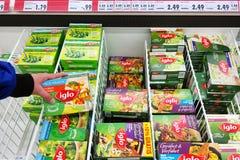 Συσκευασίες τροφίμων Iglo στον ψυκτήρα Στοκ Εικόνες