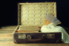 συσκευασμένη βαλίτσα τρύγος αναδρομικός Στοκ Εικόνα