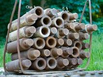 Συσσωρευμένα μπουλόνια για την υπόγεια τάφρος-επένδυση κατασκευής Στοκ εικόνα με δικαίωμα ελεύθερης χρήσης