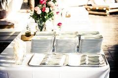 Συσσωρευμένα πιάτα Στοκ Εικόνες