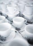 Συσσωρευμένα φλυτζάνια καφέ και τσαγιού Στοκ εικόνες με δικαίωμα ελεύθερης χρήσης