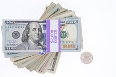 Συσσωρευμένες δέσμες των αμερικανικών λογαριασμών 100 δολαρίων Στοκ Φωτογραφία