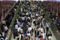 Συσσωρευμένοι άνθρωποι στην πόλη της Ασίας - Χονγκ Κονγκ στοκ φωτογραφία με δικαίωμα ελεύθερης χρήσης