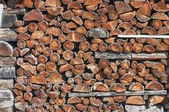 Συσσωρευμένο επάνω καυσόξυλο Στοκ εικόνες με δικαίωμα ελεύθερης χρήσης