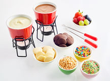 Συστατικά για εύγευστο fondue σοκολάτας Στοκ φωτογραφία με δικαίωμα ελεύθερης χρήσης