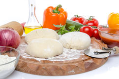 Συστατικά για να κάνει μια πίτσα Στοκ Εικόνες