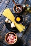 Συστατικά για τα ζυμαρικά Carbonara Στοκ φωτογραφία με δικαίωμα ελεύθερης χρήσης