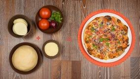 Συστατικά για το μαγείρεμα της πίτσας Στοκ φωτογραφίες με δικαίωμα ελεύθερης χρήσης