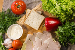 Συστατικά για το μαγείρεμα του σάντουιτς Στοκ φωτογραφίες με δικαίωμα ελεύθερης χρήσης