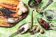 Συστατικά για το τσάι masala Στοκ Εικόνα