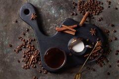 Συστατικά για το latte στοκ εικόνα