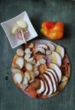 Συστατικά: τεμαχισμένα †‹â€ ‹μανιτάρια, πιπέρι, σκόρδο Στοκ εικόνα με δικαίωμα ελεύθερης χρήσης