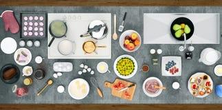 Συστατικά ψησίματος, τοπ άποψη 1 ζωή ακόμα Μαγειρεύοντας το γλυκό κέικ επάνω Στοκ Φωτογραφίες