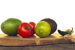 Συστατικά Guacamole που απομονώνονται στο λευκό Στοκ Εικόνες