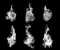 Συλλογή πυρκαγιάς υψηλής ανάλυσης των απομονωμένων φλογών στη μαύρη πλάτη Στοκ Φωτογραφίες