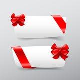 Συλλογή 043 του άσπρου εμβλήματος ετικεττών με το κόκκινο διάνυσμα κορδελλών illust Στοκ εικόνα με δικαίωμα ελεύθερης χρήσης