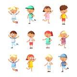 Συλλογή των ευτυχών παιδιών Ομάδα προσχολικών παιδιών ελεύθερη απεικόνιση δικαιώματος