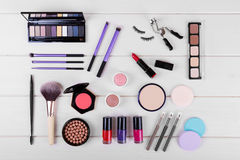 Συλλογή των καλλυντικών για το τέλειο woman& x27 s makeup Στοκ φωτογραφίες με δικαίωμα ελεύθερης χρήσης