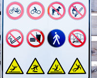 Συλλογή των σημαδιών απαγόρευσης στοκ φωτογραφίες