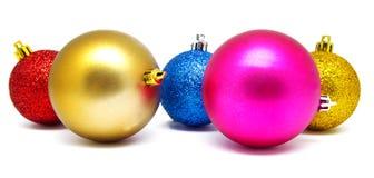 Συλλογή των τέλειων σφαιρών Χριστουγέννων χρωμάτων που απομονώνεται Στοκ Εικόνες