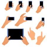 Συλλογή των χεριών που κρατά το τηλέφωνο και την ταμπλέτα ελεύθερη απεικόνιση δικαιώματος
