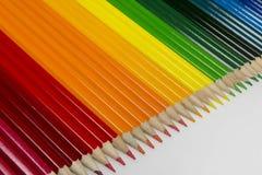Συλλογή των χρωματισμένων ξύλινων μολυβιών στοκ εικόνες