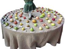 Συλλογή φρούτων στον πίνακα Στοκ Φωτογραφία