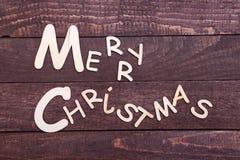 Συλλογή Χριστουγέννων, κιβώτιο δώρων, δέντρο και διακοσμητική σφαίρα, στο ξύλινο υπόβαθρο Στοκ Φωτογραφίες